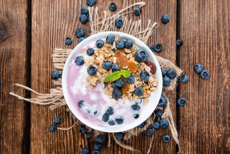 Yogurt di mirtillo casalingo immagini stock libere da diritti