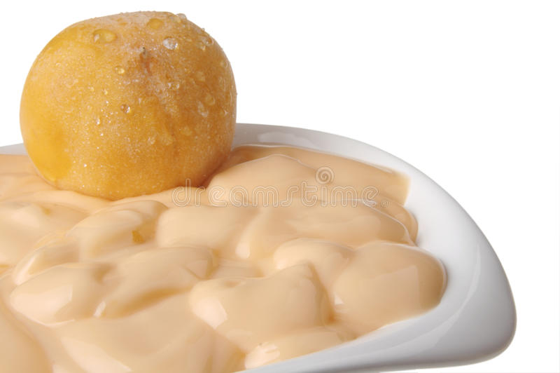 Yogurt do pêssego fotos de stock