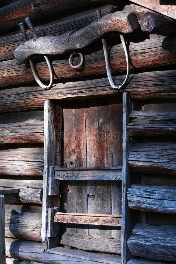 Download Yoke Above Window On Frontier Log Building, Stock Photo - Image: 20516926
