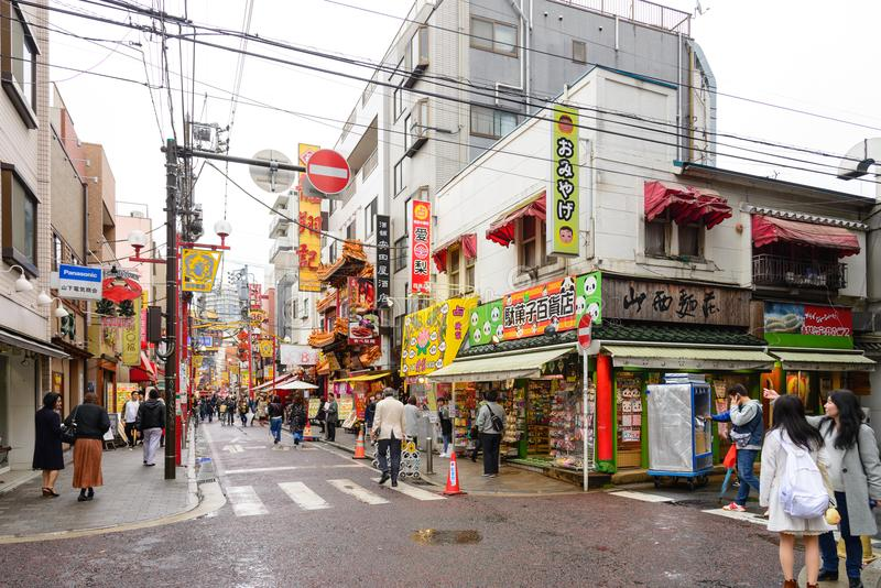 Yokohama, Ιαπωνία - 8 Απριλίου 2017: η επίσκεψη τουριστών σε Chinatown στοκ φωτογραφίες