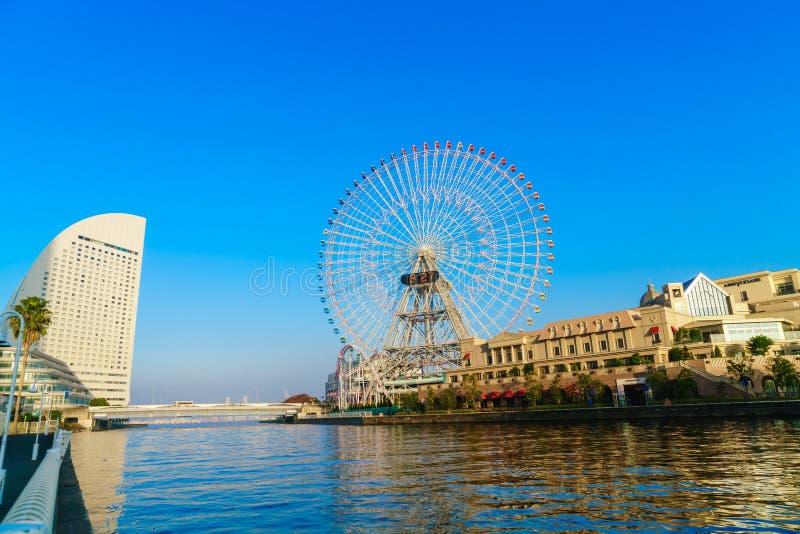 Yokohama, Japan - November 24.2015: Reuzenrad bij cosmowereld stock afbeeldingen