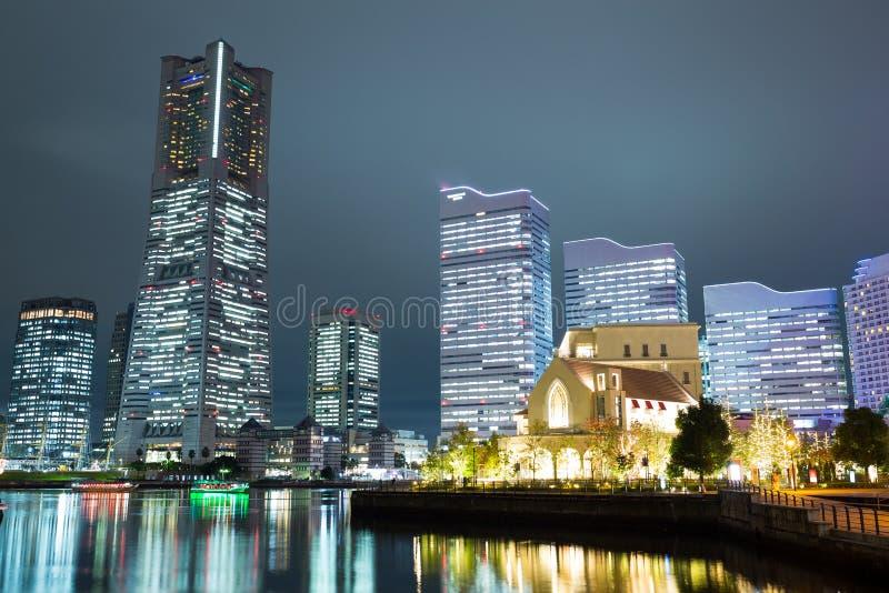 Yokohama-Stadt nachts stockfotos