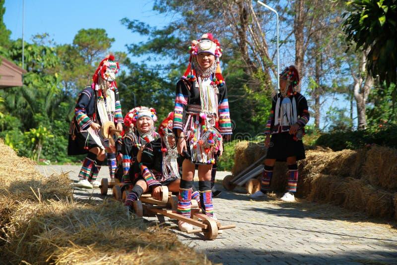 Yong dziewczyn wzgórza plemię zdjęcia royalty free