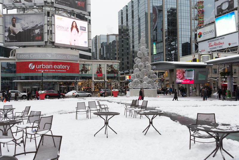 Download Yonge And Dundas Square After Snow Editorial Image - Image of white, horizontal: 28402425