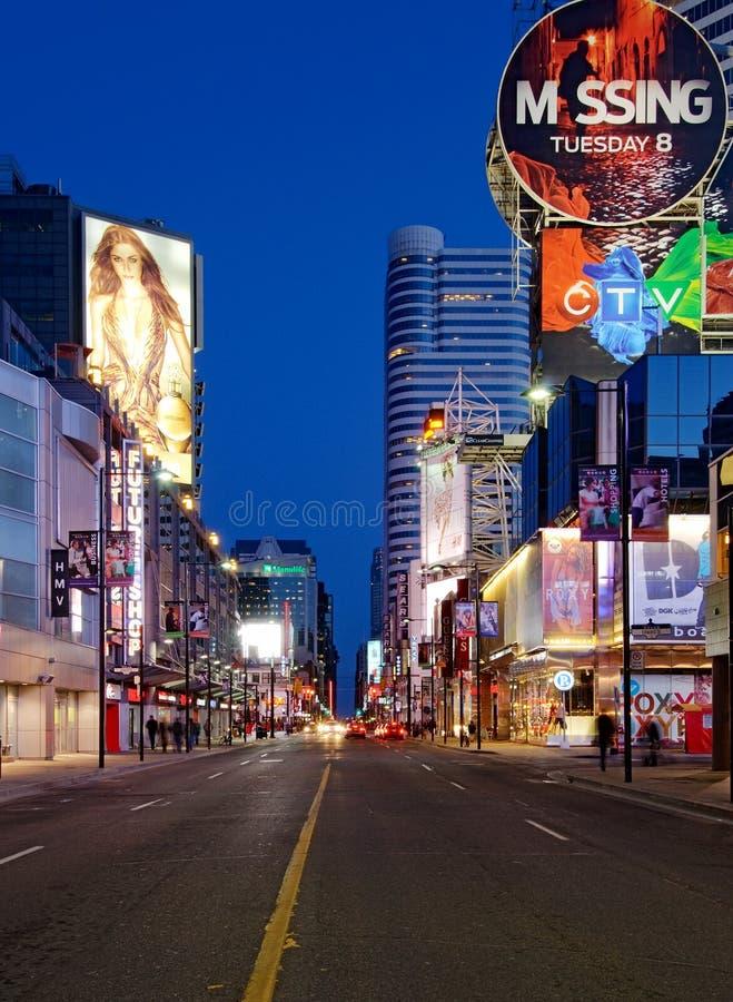 Yonge Str. in Toronto lizenzfreie stockbilder