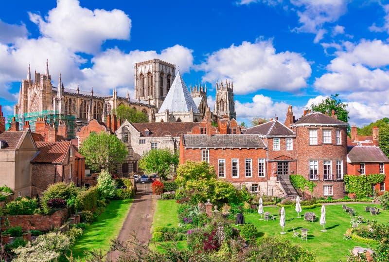 York, Engeland, het Verenigd Koninkrijk: Munster van York, één van grootst van zijn soort in Noordelijk Europa royalty-vrije stock foto