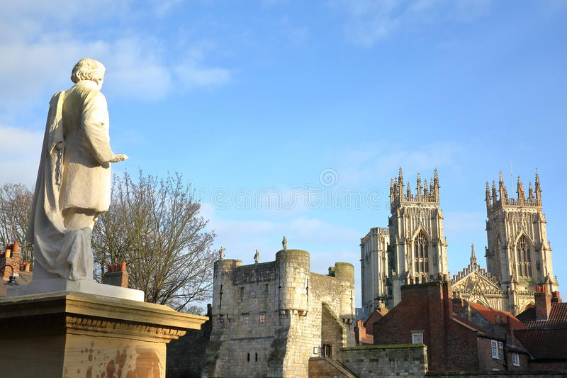 YORK, ENGLAND: Bootham Bar Prima Porta Dextra with The Minster in the background and William Etty Statue in the foreground stock image