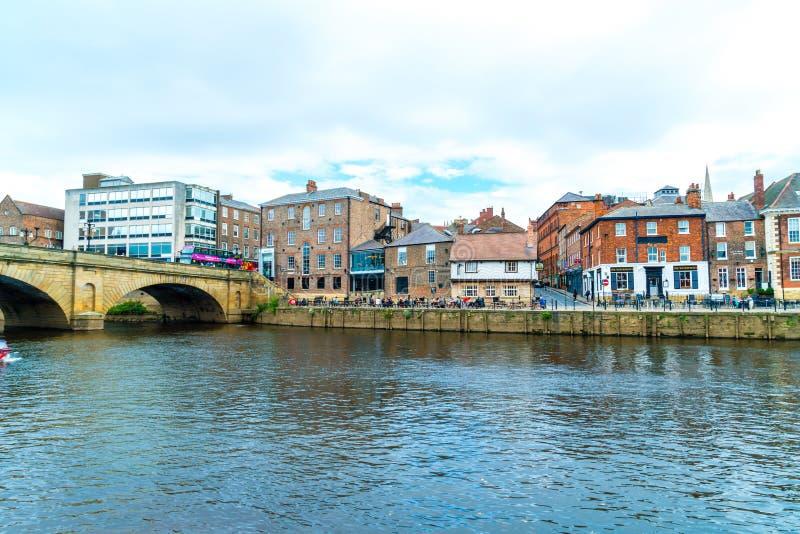 York, Yorkshire, Regno Unito - SEP 3, 2019: York City con il fiume Ouse a York nel Regno Unito fotografia stock libera da diritti