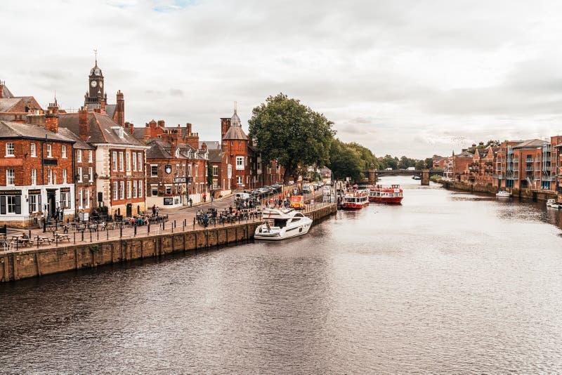 York, Yorkshire, Zjednoczone Królestwo - SEP 3, 2019: York City with River Ouse in York UK fotografia stock