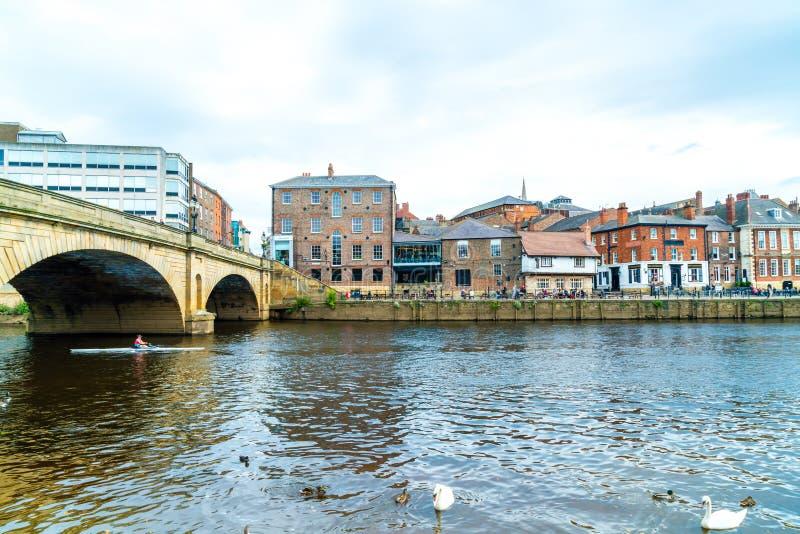 York, Yorkshire, Zjednoczone Królestwo - SEP 3, 2019: York City with River Ouse in York UK zdjęcie stock