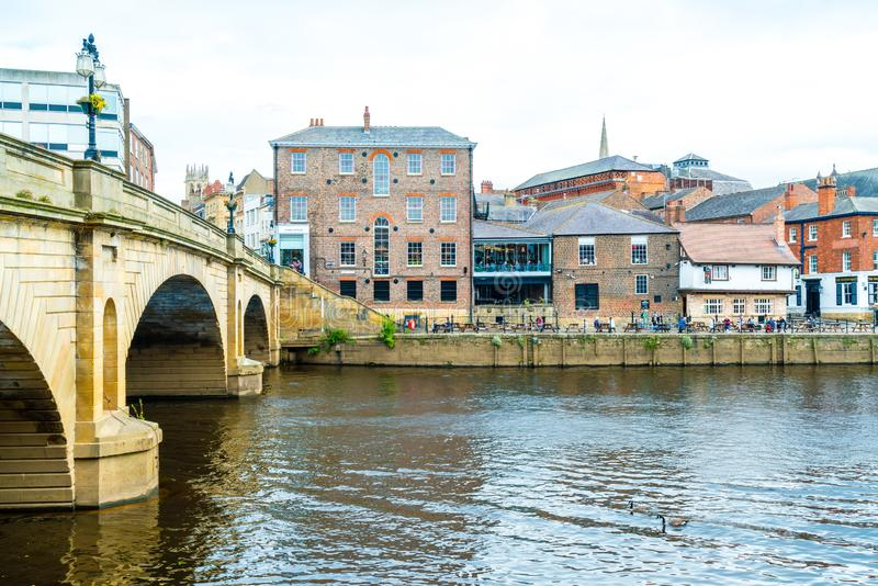 York, Yorkshire, Zjednoczone Królestwo - SEP 3, 2019: York City with River Ouse in York UK obraz royalty free
