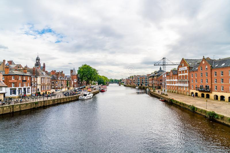 York, Yorkshire, Zjednoczone Królestwo - SEP 3, 2019: York City with River Ouse in York UK obrazy royalty free