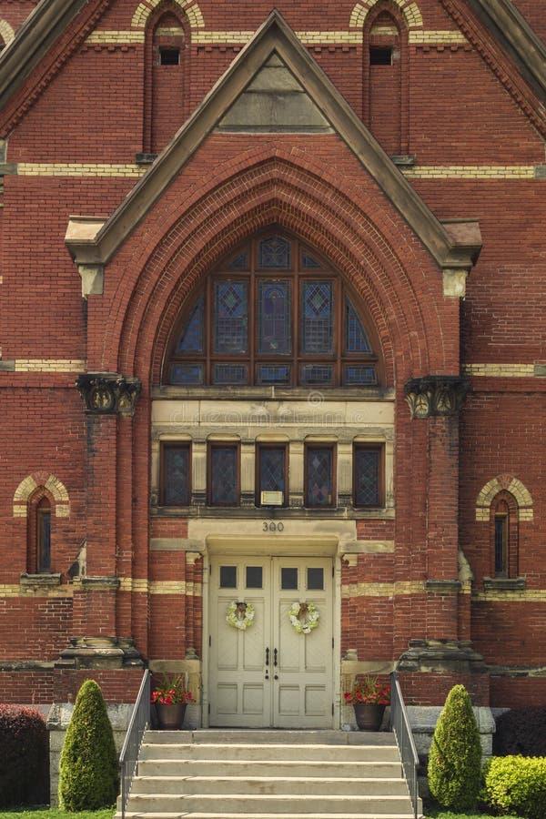 Yorkville, New York - AUG 13, 2019: Verticaal beeld van de Bijbelse kerk van Calvariëteit royalty-vrije stock fotografie