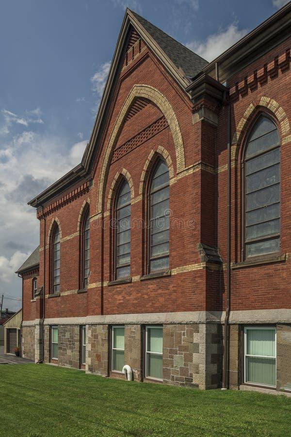 Yorkville, New York - AUG 13, 2019: Verticaal beeld van de Bijbelse kerk van Calvariëteit royalty-vrije stock afbeeldingen