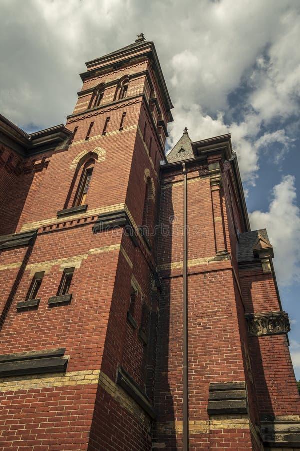 Yorkville, New York - AUG 13, 2019: Verticaal beeld van de Bijbelse kerk van Calvariëteit stock afbeeldingen