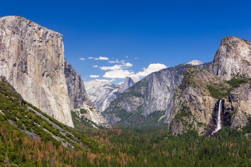 Yosemite dal från tunnelsikt på solnedgången, Yosemite medborgarePA royaltyfri bild
