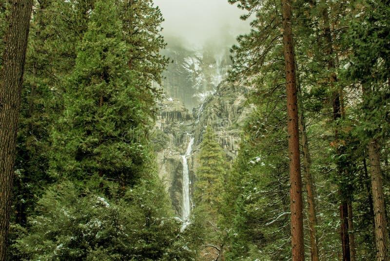 Yosemite Falls lizenzfreies stockbild