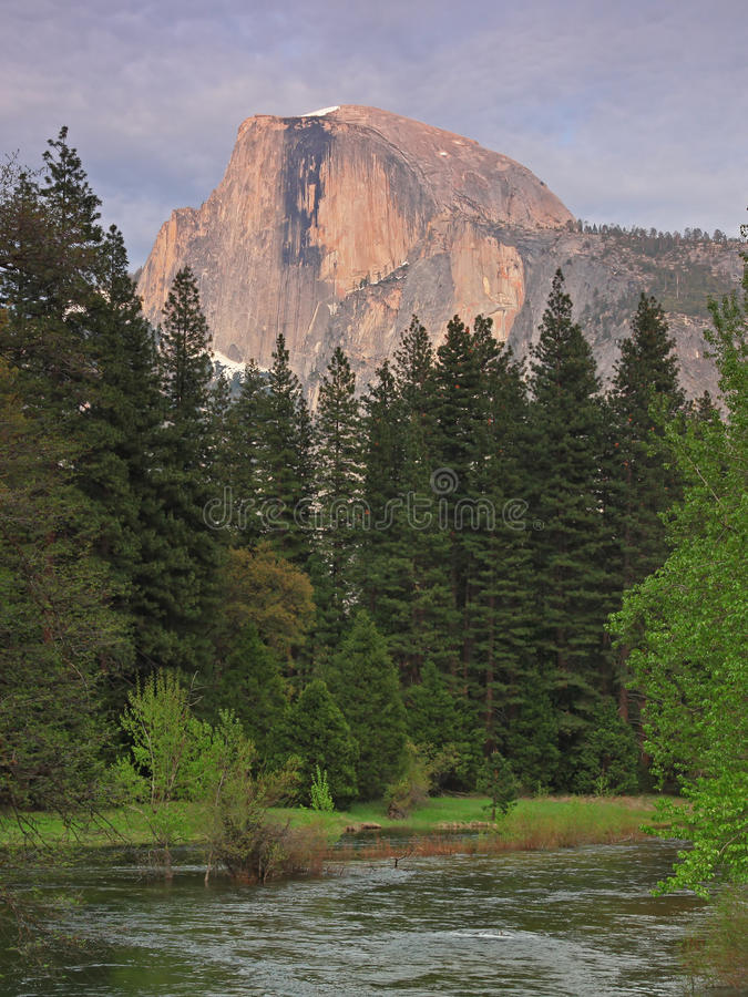 Free Yosemite Half Dome In Dusk Royalty Free Stock Photo - 14360255