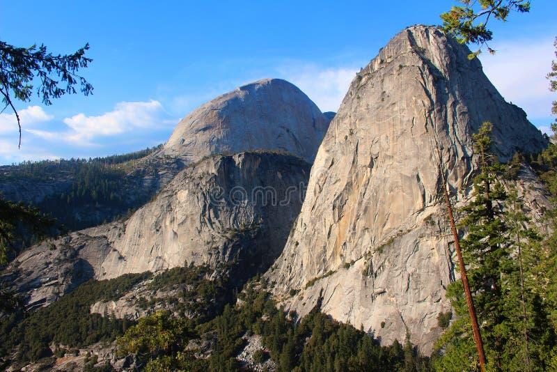 Yosemite; Liberty Cap stock fotografie