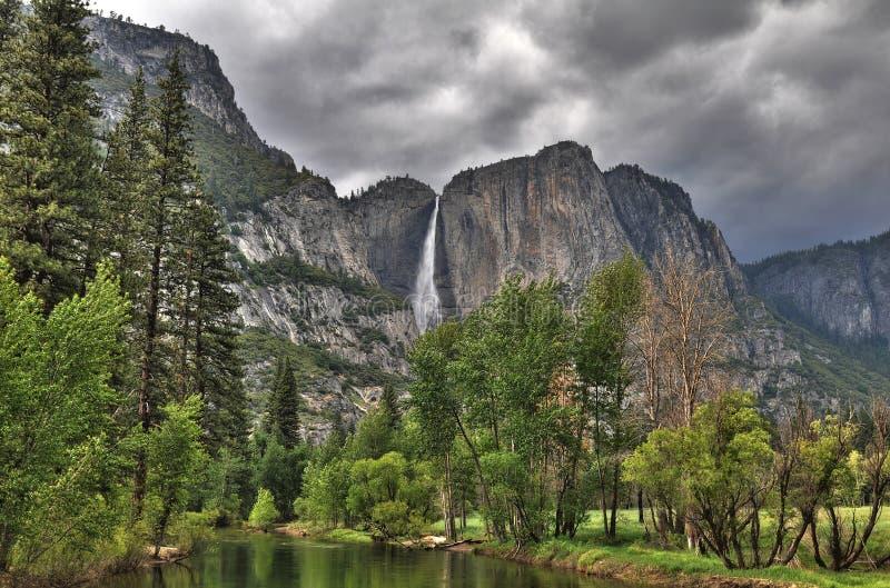 Yosemite vie van de rivier stock fotografie