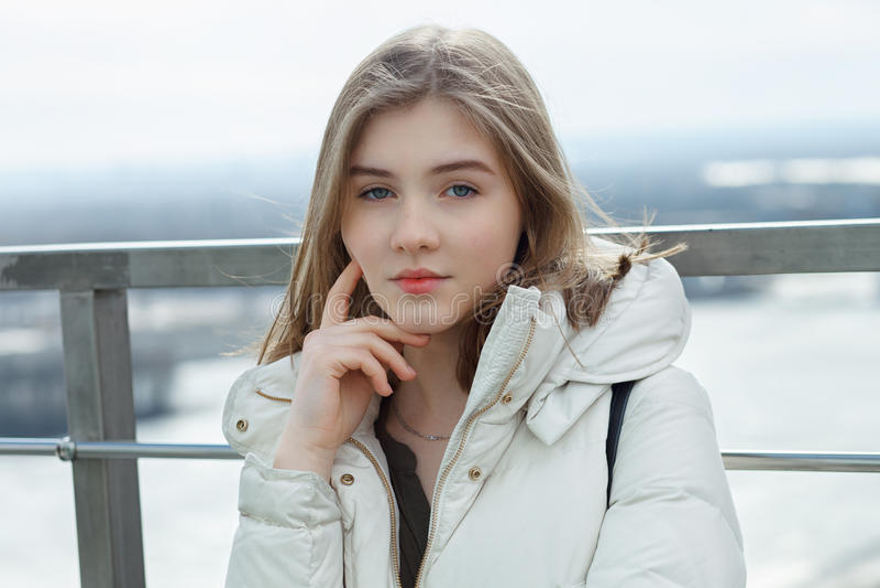 views-year-ago-blonde-teen