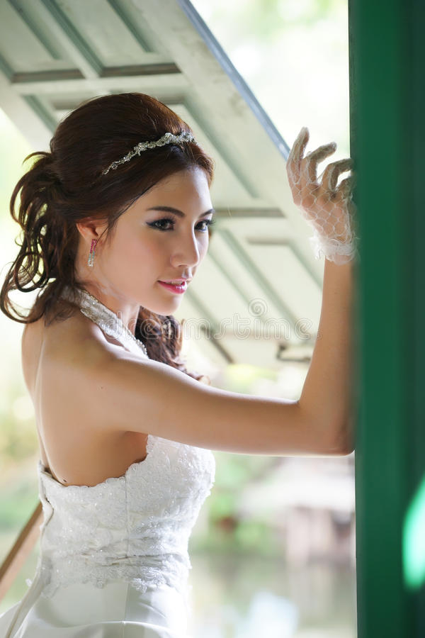 asian-brides-young-thai-women