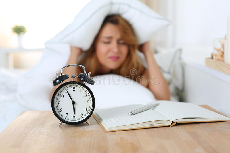 how to stop waking up early in the morning