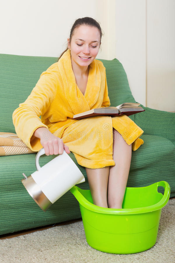 Free Young Blonde Taking Foot Bath Stock Photos - 74453153