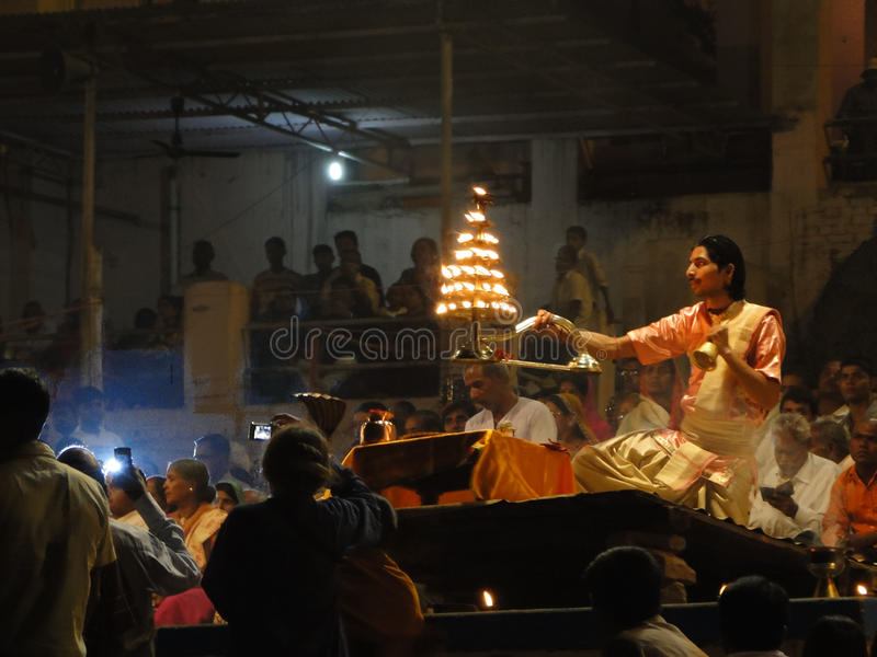 Young Brahmin priests conduct aarti