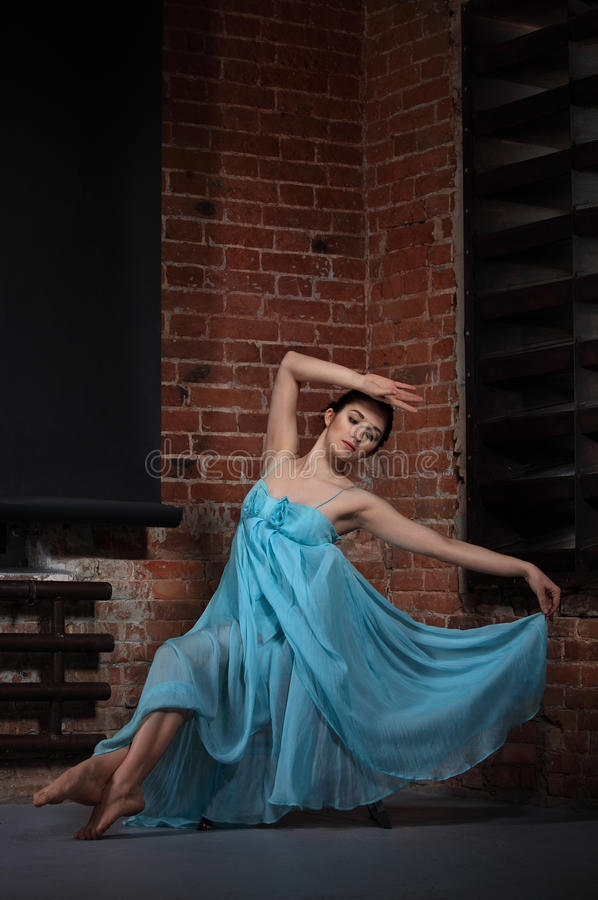 Young Brunette Woman Dancing Royalty Free Stock Images