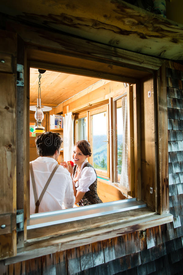 Free Young Couple In A Hunter S Cabin Eating Stock Photos - 37544703