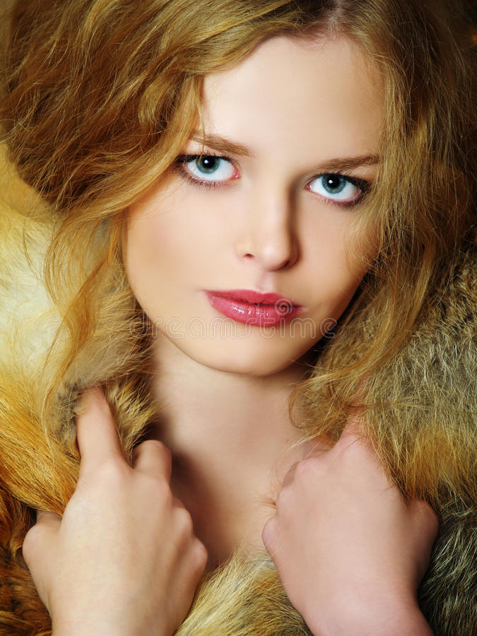 Free Young Elegant Girl With Fur Collar Stock Image - 11893141