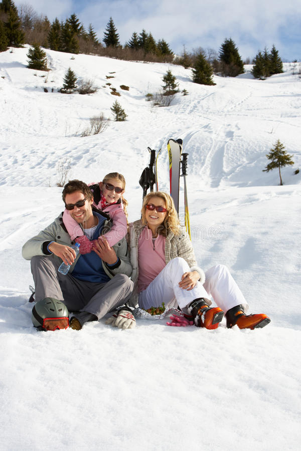 Free Young Family On Ski Vacation Royalty Free Stock Images - 20111549