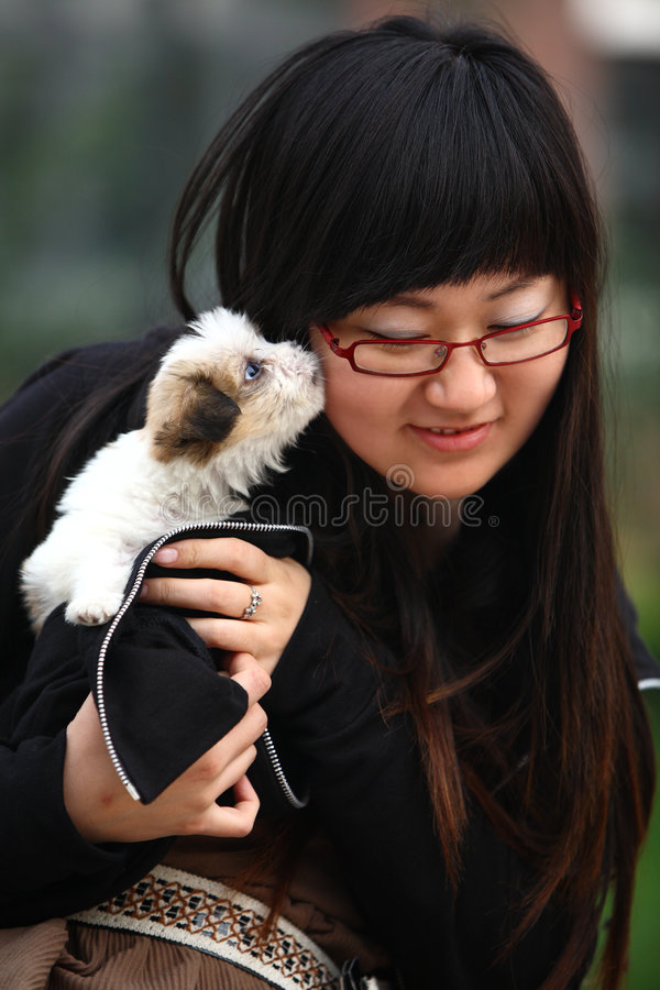 Free Young Girl And Baby Dog Royalty Free Stock Photo - 4739455