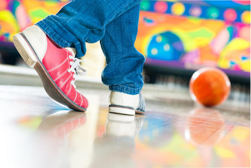 Download Young Man Bowling Having Fun Stock Photo - Image: 34333736