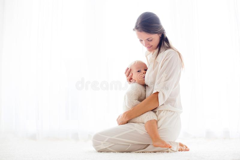 Breastfeeding Stock Images Download 9 225 Royalty Free