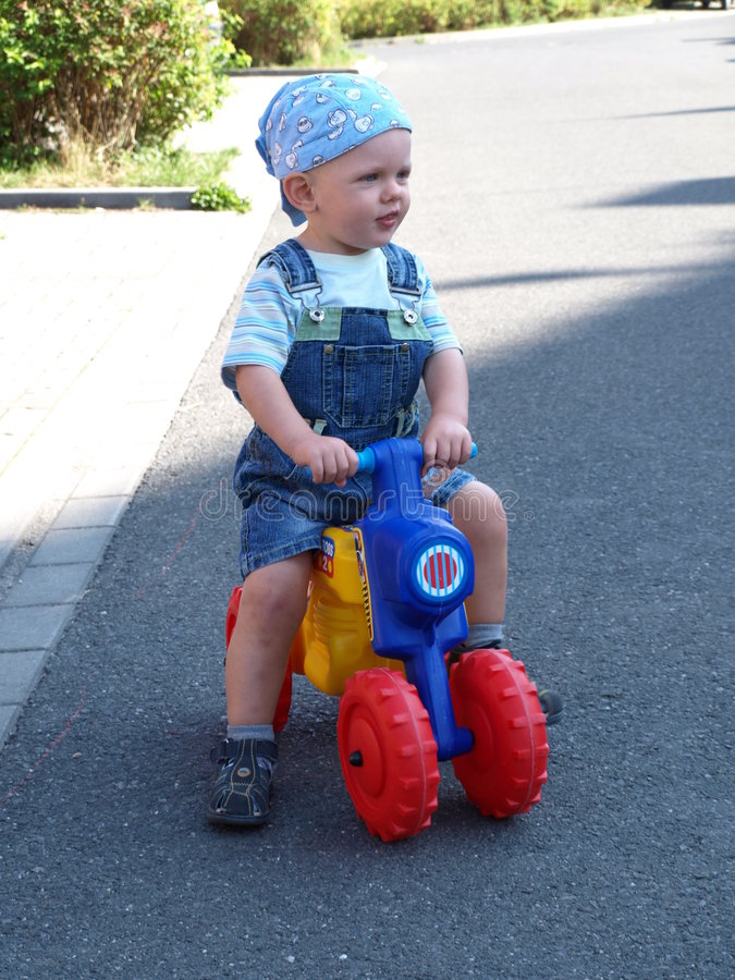 Free Young Motorbiker Royalty Free Stock Photos - 8230868