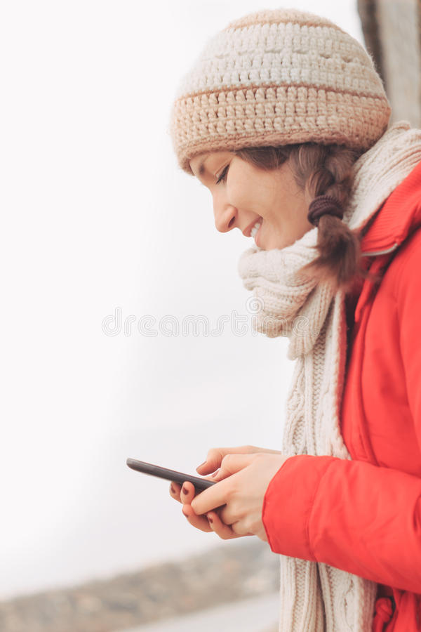 Teen Using Cell Phone Stock Photos Download 9 379