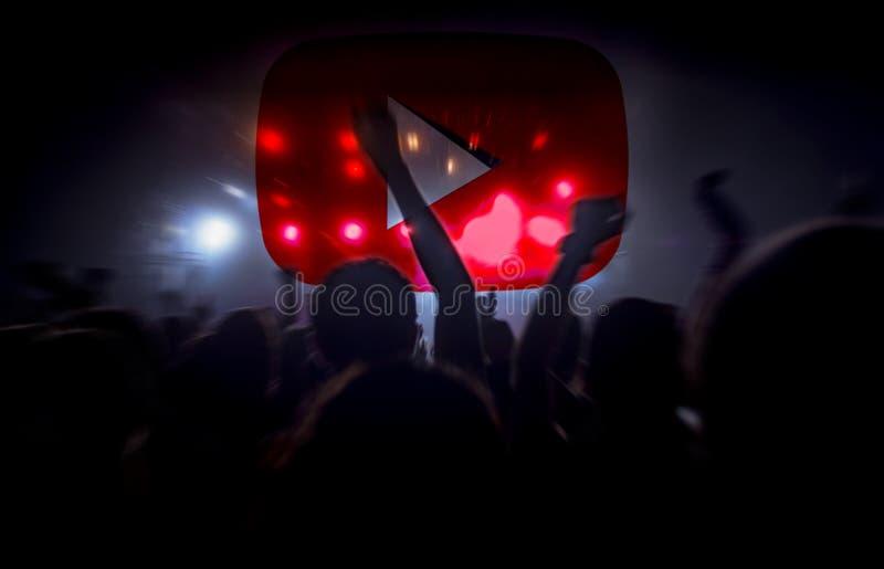 Youtube muzyka na żywo koncertowy lać się zdjęcie stock