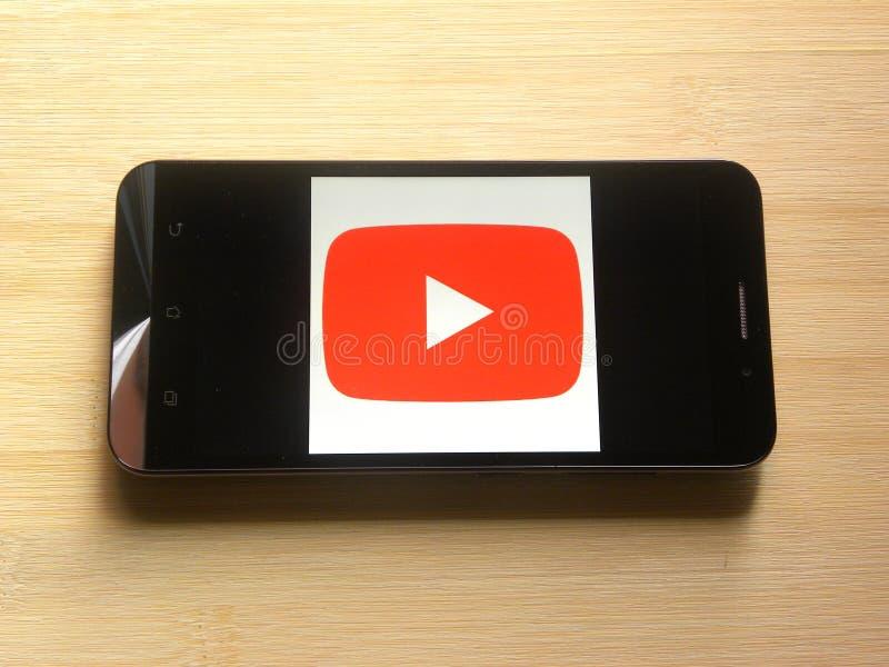 Youtube op mobiele telefoon royalty-vrije stock fotografie