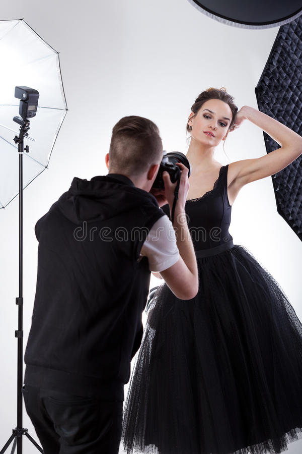 Yrkesmässig modell på arbete royaltyfri fotografi