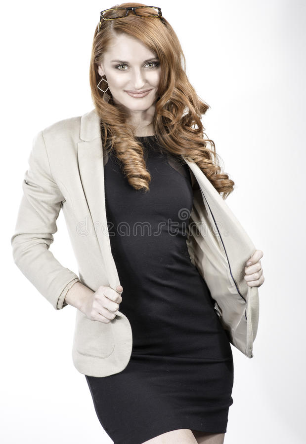 Yrkesmässig röd hårkvinna royaltyfria foton