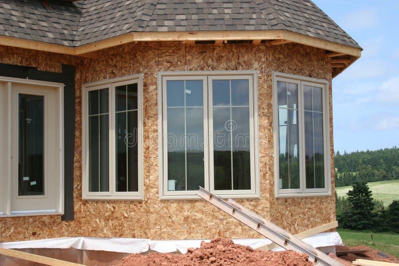 ytternya fönster arkivbild