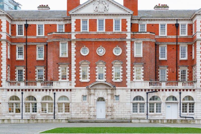 Yttersida av Chelsea College av konster i London arkivfoton