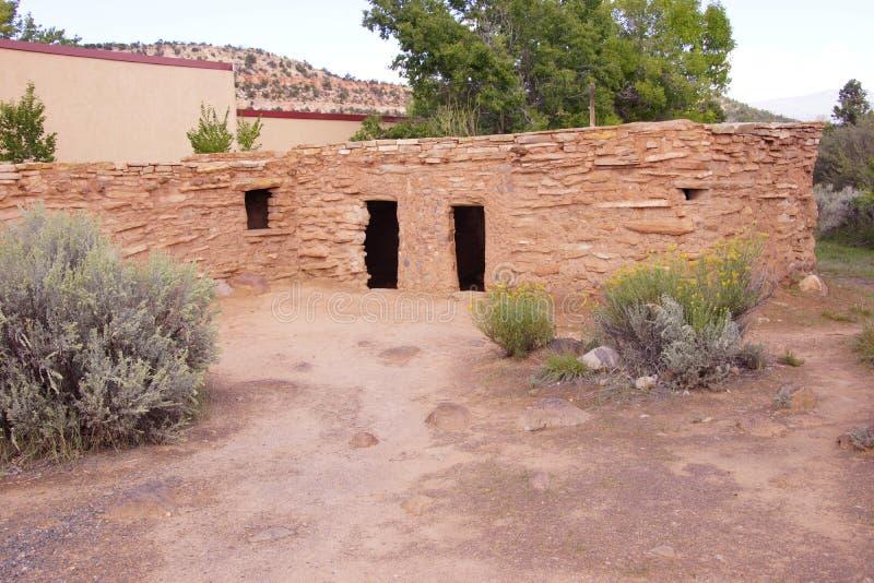Yttersida av den Anasazi puebloen royaltyfri bild