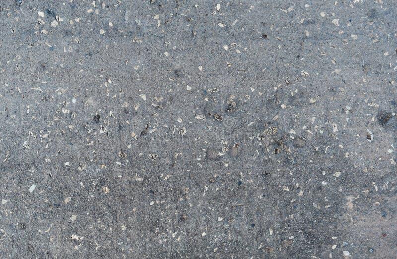 yttersida av den gamla asfaltvägen royaltyfria foton