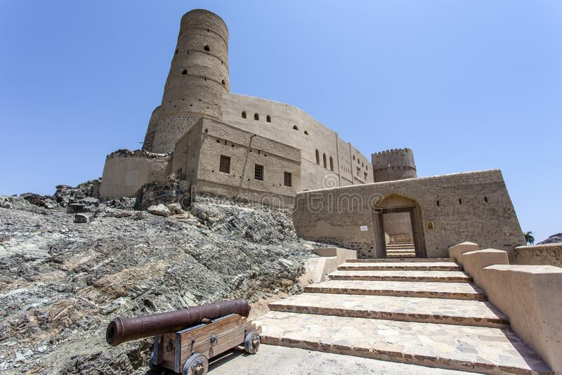 Yttersida av det Bahla fortet i Bahla, Oman, Mellanösten royaltyfri bild