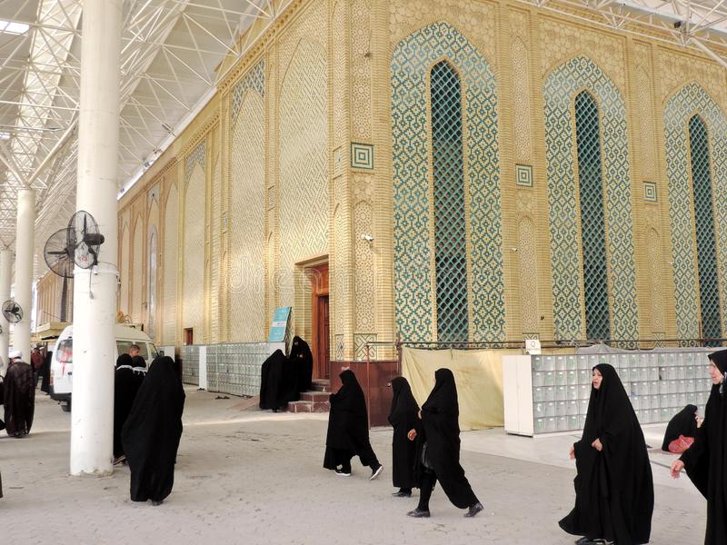 Yttersida av imamen Ali Mosque arkivbild