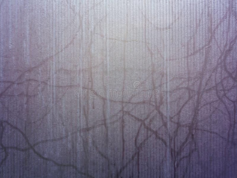 Yttersida av misted exponeringsglas, purpurfärgad textur, bakgrund royaltyfri fotografi
