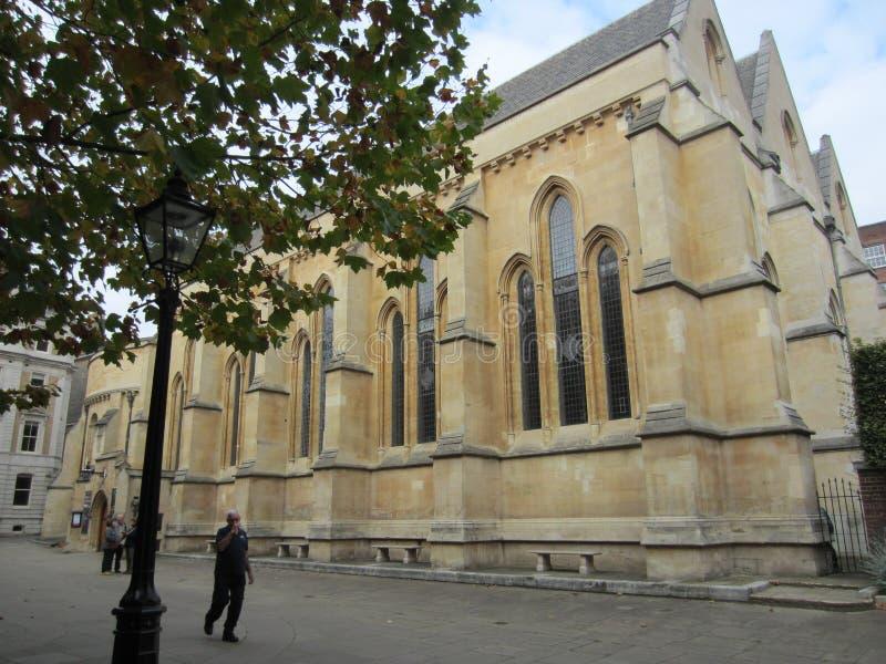 Yttersida av tempelkyrkan, London, England royaltyfri fotografi